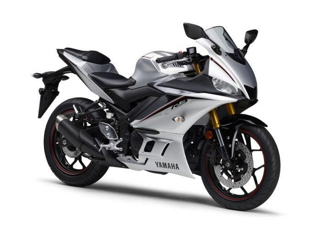 Yamaha R3 dan R25 Punya Warna Silver, Keren Ga?