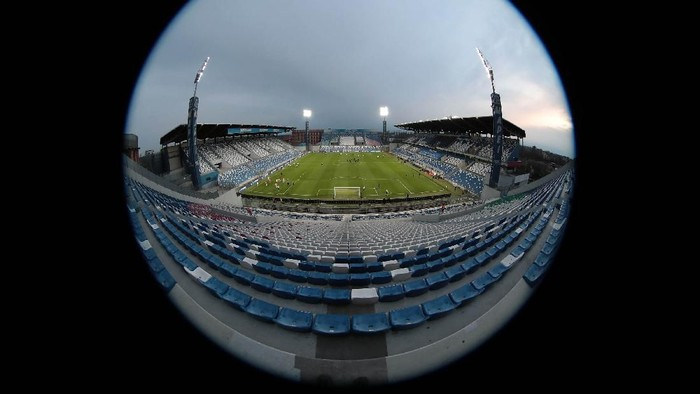 Pemerintah Italia akan menghentikan sementara seluruh pertandingan olahraga, termasuk Serie A. Sebelumnya, beberapa laga Seria A digelar tanpa suporter.