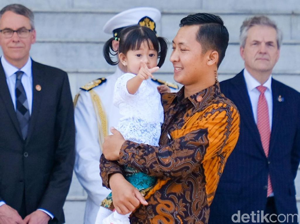 Potret Cucu Jokowi di Acara Penyambutan Raja Belanda