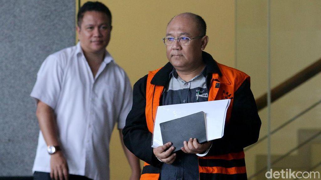 Tersangka Kasus Suap Bupati Sidoarjo Diperiksa KPK