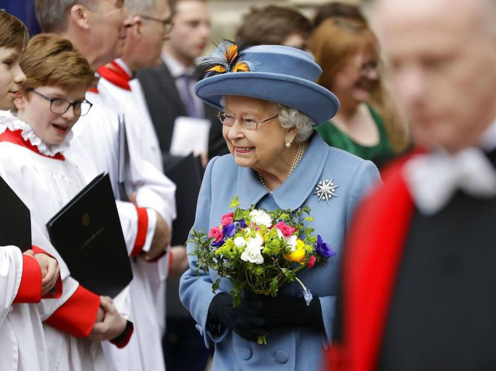 PM Inggris Positif Corona, Ratu Elizabeth Sehat