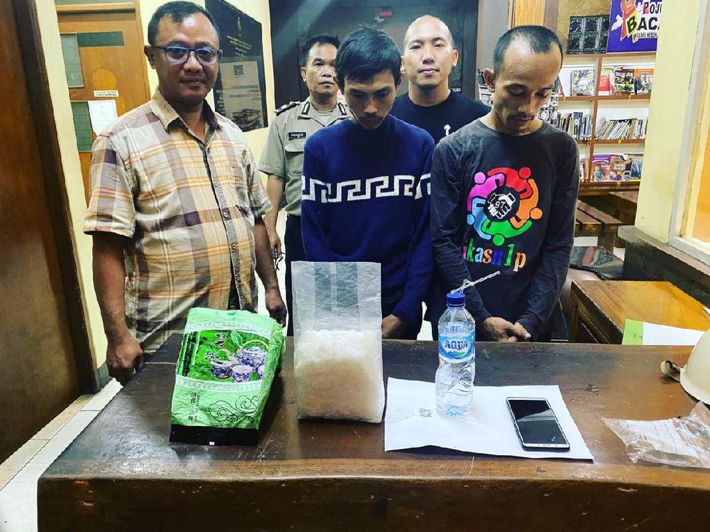Bawa 1 Kg Sabu dalam Kemasan Teh China, 2 Kurir di Jakbar Ditangkap