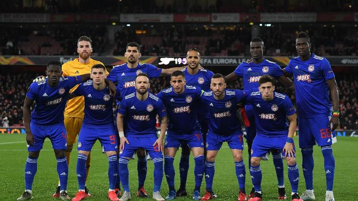 LONDON, ENGLAND - FEBRUARY 27: Olympiacos FC pose for a photo prior to the UEFA Europa League round of 32 second leg match between Arsenal FC and Olympiacos FC at Emirates Stadium on February 27, 2020 in London, United Kingdom. (Photo by Mike Hewitt/Getty Images)