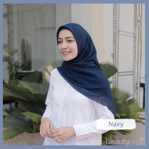 Tidak Hanya Promosi Produk Orang Selebgram Hijabers Ini Punya Brand Hijab Voal Sendiri Lho