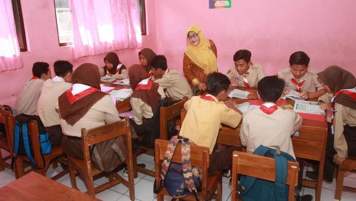 Ilustrasi guru dan murid
