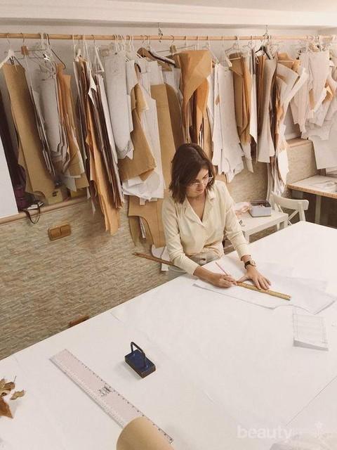 Apakah Menjadi Seorang Fashion Designer Wajib Sekolah Mode