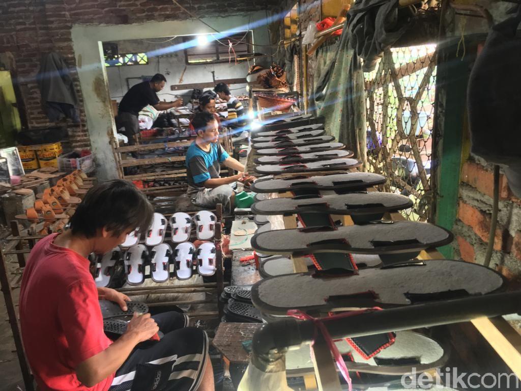 Produksi Mandek! Industri Kelabakan Dapat Bahan Baku di Tengah Corona