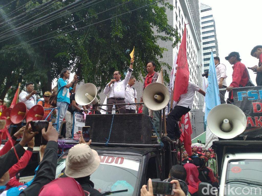 Fraksi PKS-Gerindra DPRD DKI ke Massa Buruh: Berjuang Tolak Omnibus Law!