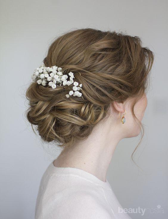 Anggunnya! Inspirasi Gaya Rambut Sanggul Ini Cocok Banget untuk Dipadukan dengan Kebaya Lamaran