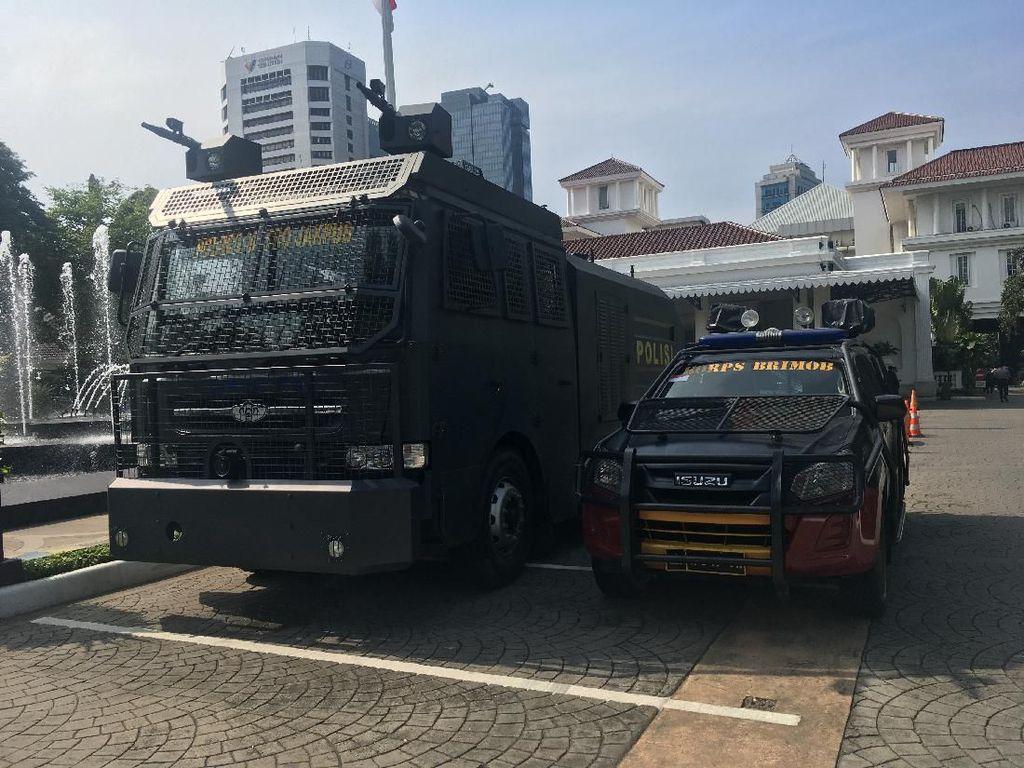 Ada Demo Tolak Omnibus Law, 440 Personel Polisi Siaga di Balai Kota DKI