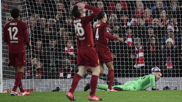 Marcos Llorente mencetak gol pertamanya ke gawang Liverpool. (