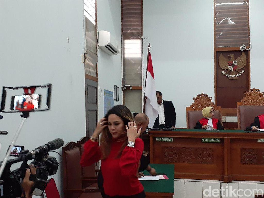 Nikita Mirzani Bersyukur Eksepsinya Ditolak Majelis Hakim