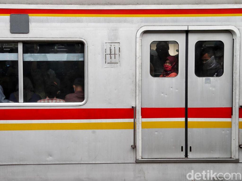 Geger Data Risiko Corona di KRL Bogor-Jakarta Kota