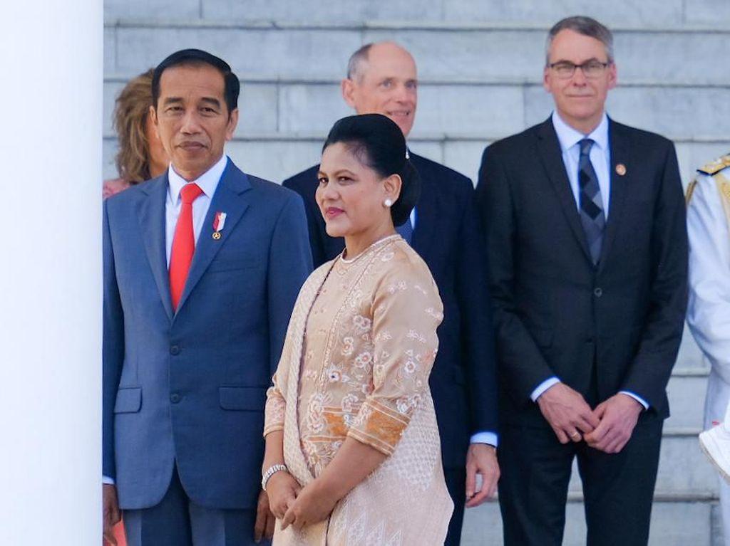 Cerita Jokowi Beli Durian Mahal untuk Iriana: Tapi Rasanya Nggak Enak
