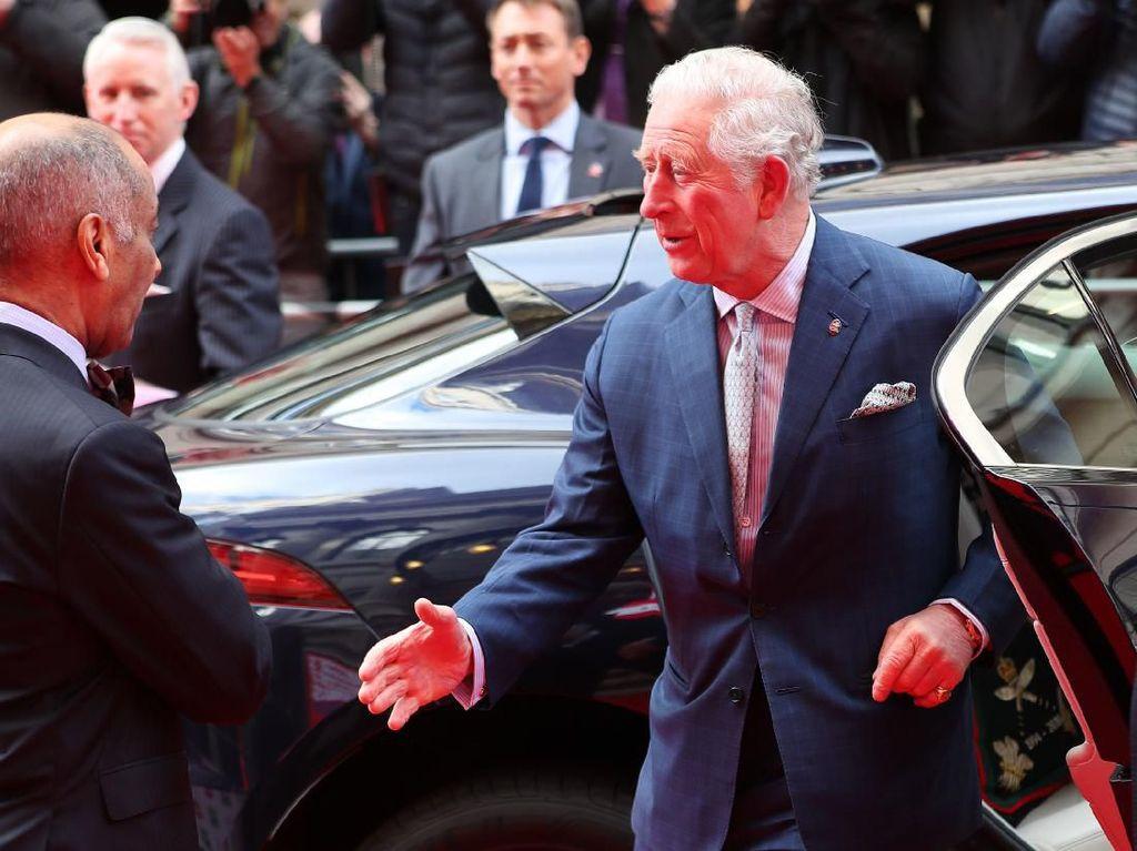 Positif Corona, Pangeran Charles Jalani Isolasi di Skotlandia