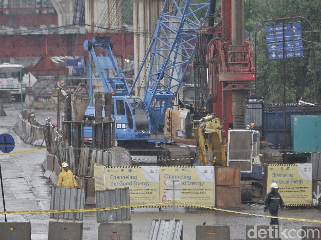 Kebocoran Gas Sudah Ditangani, Lalin di Jl Raya Bekasi Kembali Dibuka