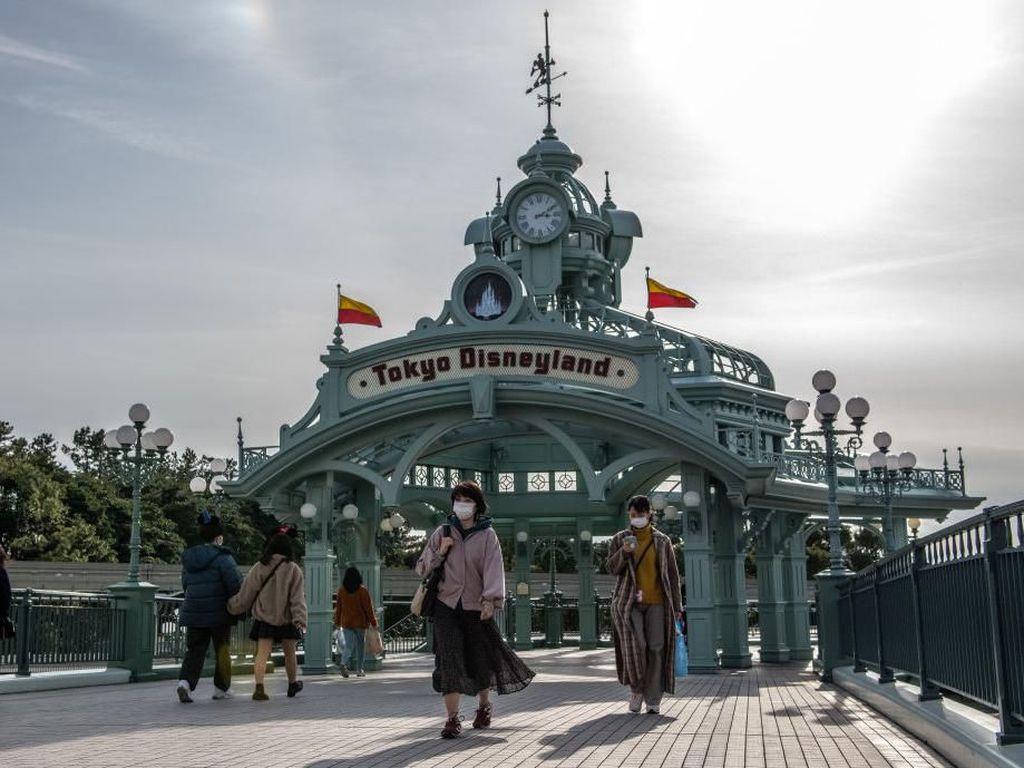 Disneyland Tokyo dan Disneysea Dibuka Hari Ini