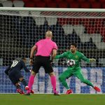 UEFA Pertimbangkan Penghentian Sementara Liga Champions dan Liga Europa