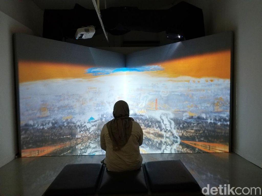 Keren! 11 Lukisan Srihadi Soedarsono Jadi Karya Instalasi Video Art