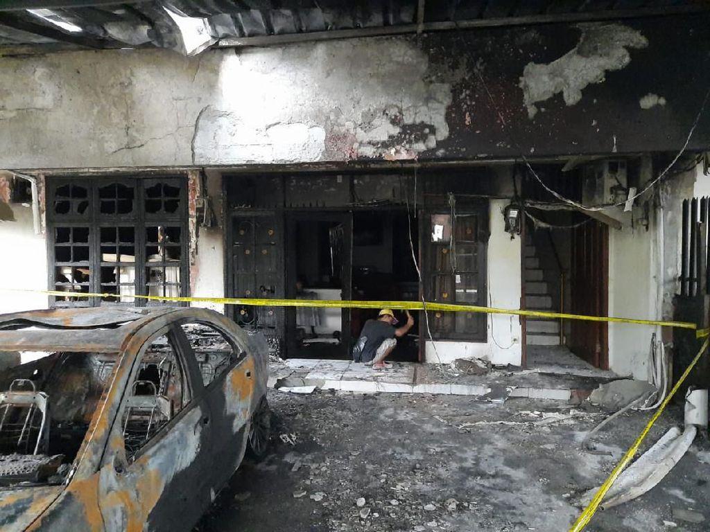 Ada Pecahan Botol di Garasi Mobil yang Dilempar Molotov di Pulogadung