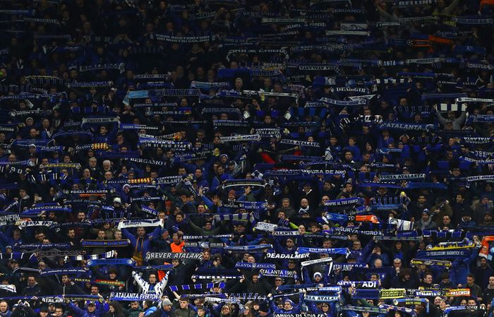 MILAN, ITALY - FEBRUARY 19:  The Atalanta BC fans show their support during the UEFA Champions League round of 16 first leg match between Atalanta and Valencia CF at San Siro Stadium on February 19, 2020 in Milan, Italy.  (Photo by Marco Luzzani/Getty Images)