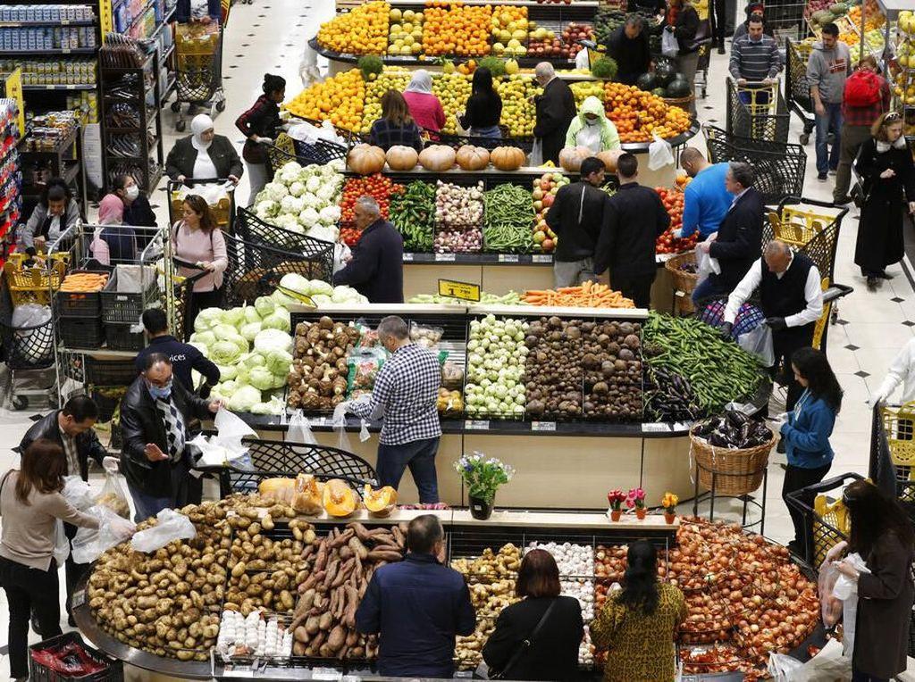Supermarket di Lebanon Diserbu Warga Akibat Geger Corona