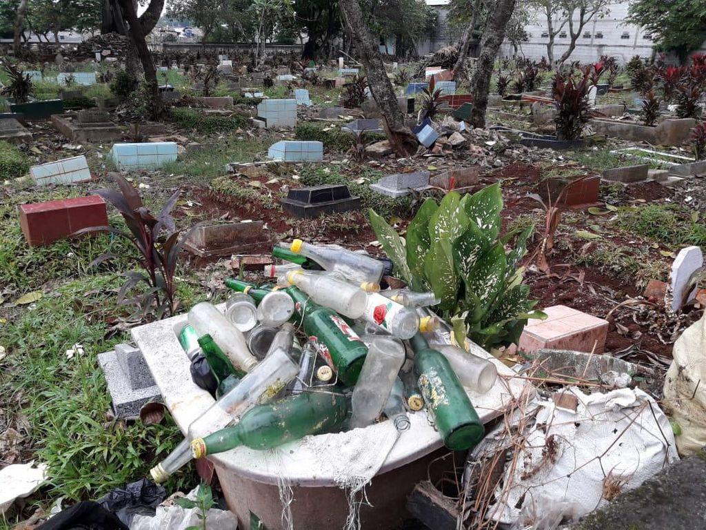 Kata Pihak RT soal Viral Kuburan di Depok Jadi Tempat Dangdutan