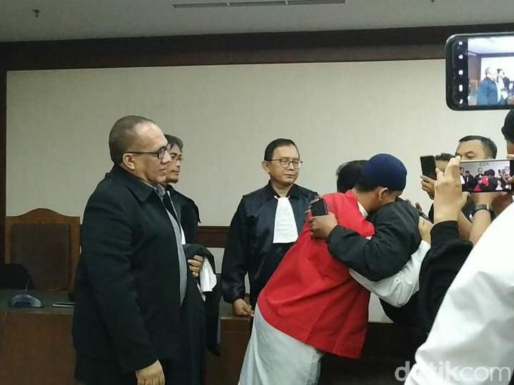 Tangis Haru Pria Ancam Penggal Jokowi yang Segera Bebas