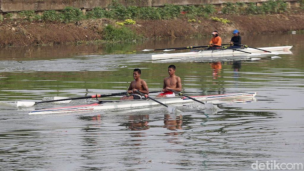 Semangat Para Atlet Dayung Ibu Kota Berlatih Jelang PON 2020