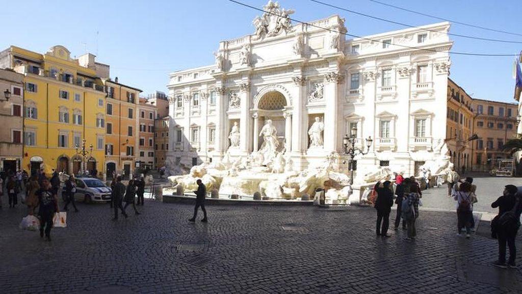 Foto Before-After Tempat Wisata Italia yang Kini Sepi Karena Corona