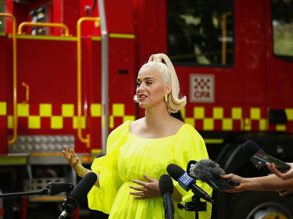 Hamil Besar, Katy Perry Mulai Latihan Jadi Ibu