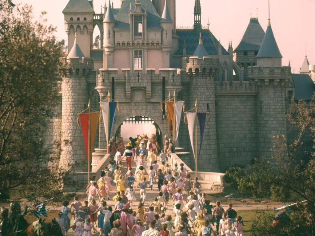 Terungkap! Menu Restoran Disneyland di Tahun 1960-an Ini Murah dan Mewah