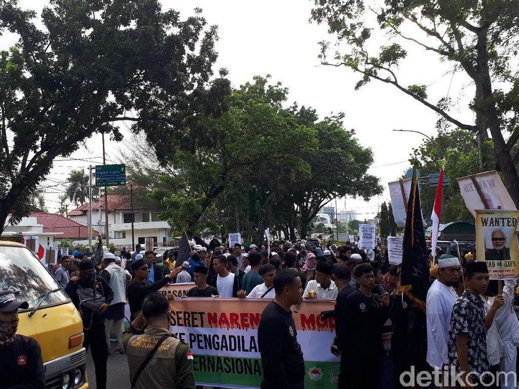 Massa Ormas Islam Kembali Demo, Jalan Sekitar Konjen India Medan Ditutup