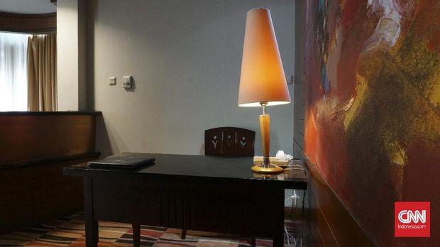 Mengunjungi Kamar Soekarnodi Hotel Savoy HomannBandung*