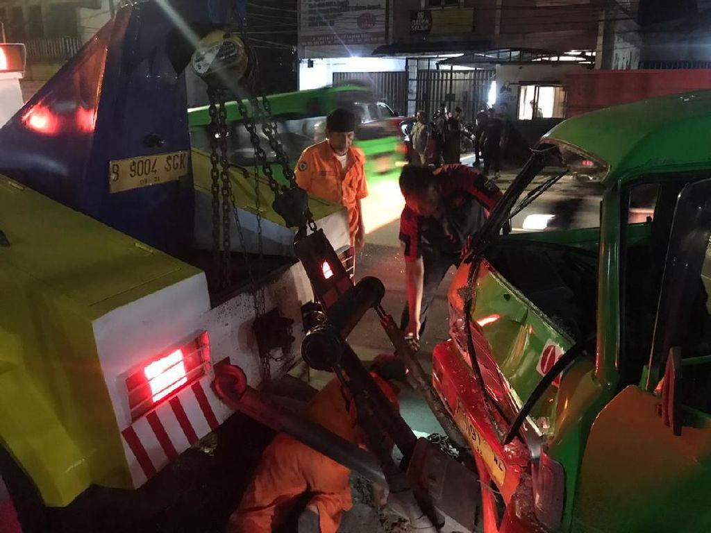 8 Kendaraan Tabrakan di Bogor, Salah Satunya Mobil Polisi