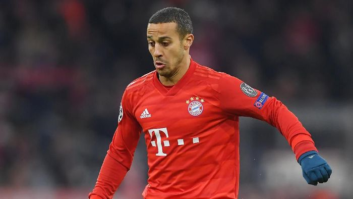 MUNICH, GERMANY - DECEMBER 11: Thiago Alcantara of Bayern Munich during the UEFA Champions League group B match between Bayern Muenchen and Tottenham Hotspur at Allianz Arena on December 11, 2019 in Munich, Germany. (Photo by Michael Regan/Getty Images)