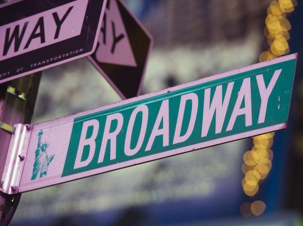 Pandemi Corona Buat Tony Awards Ditunda