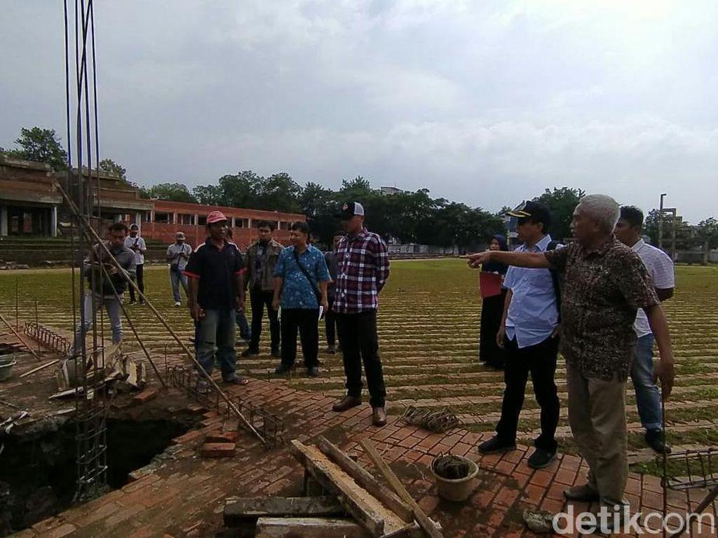 Sidak Proyek Alun-alun Kejaksan Cirebon, DPRD: Kami Kecewa!