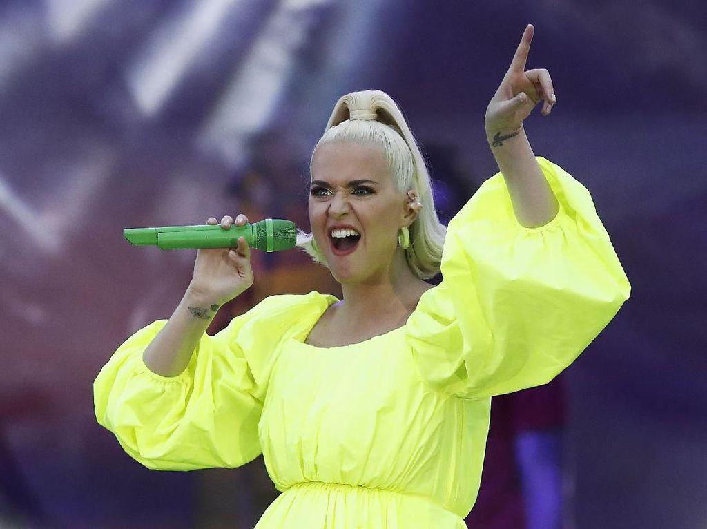 Katy Perry Ungkap Jenis Kelamin Anaknya dengan Orlando Bloom