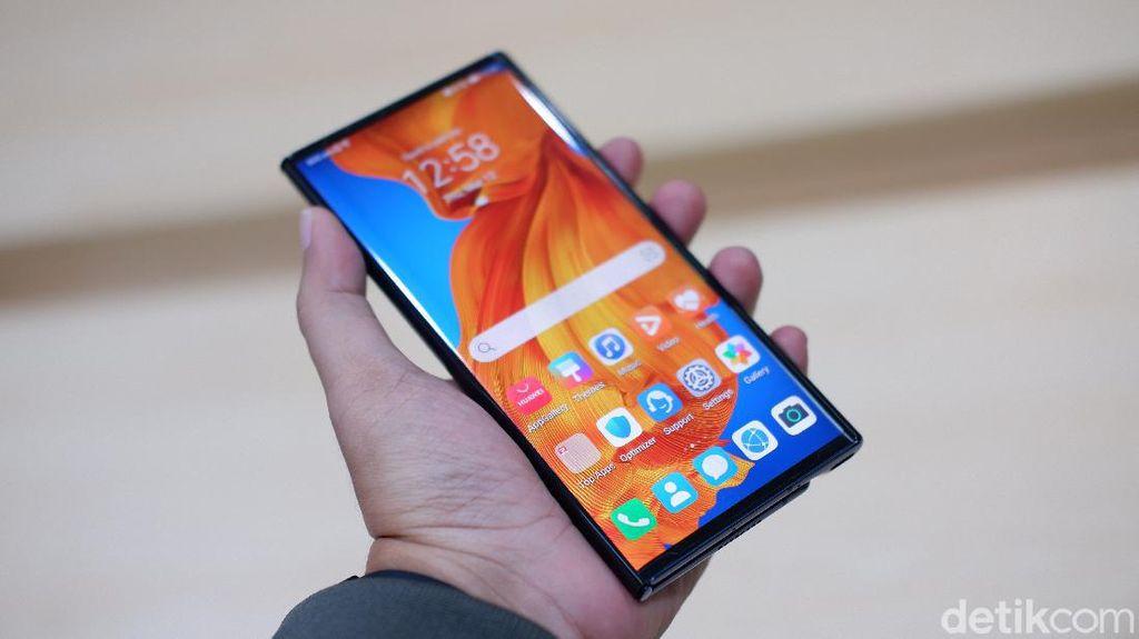 Menggenggam Ponsel Sultan Harga Rp 38 Juta dari Huawei