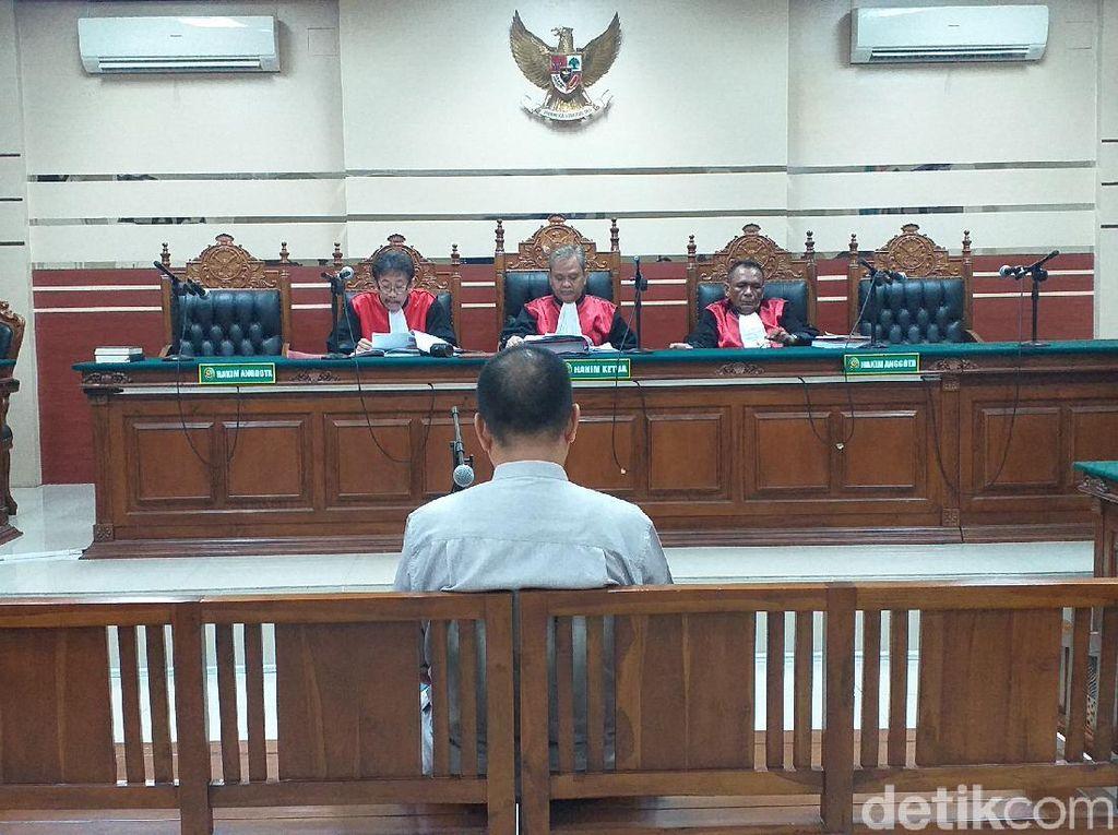 Korupsi Jasmas, Eks Wakil Ketua DPRD Surabaya Divonis 2,5 Tahun Penjara