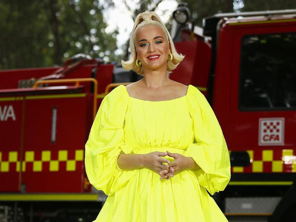 Katy Perry Ibaratkan Kondisi Imbas Pandemi Corona Bagai Wisuda