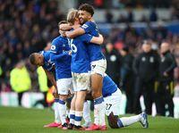 Tunjukkan Gelaja Virus Corona, Skuad Everton Isolasi Diri Sendiri