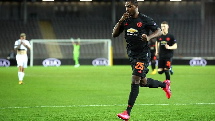 LINZ, AUSTRIA - MARCH 12: (FREE FOR EDITORIAL USE) In this handout image provided by UEFA, Odion Ighalo of Manchester United celebrates after scoring his teams first goal during the UEFA Europa League round of 16 first leg match between LASK and Manchester United at Linzer Stadion on March 12, 2020 in Linz, Austria. The match is played behind closed doors as a precaution against the spread of COVID-19 (Coronavirus).  (Photo by UEFA - Handout/UEFA via Getty Images )