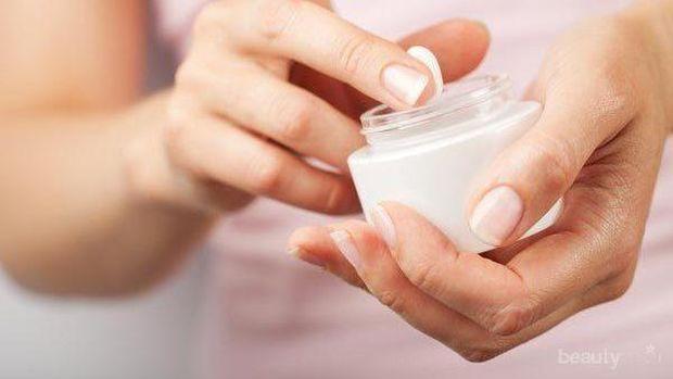 Body Lotion Gak Cukup! 3 Alasan Penting Kenapa Wajib Pakai Hand Cream Setiap Hari
