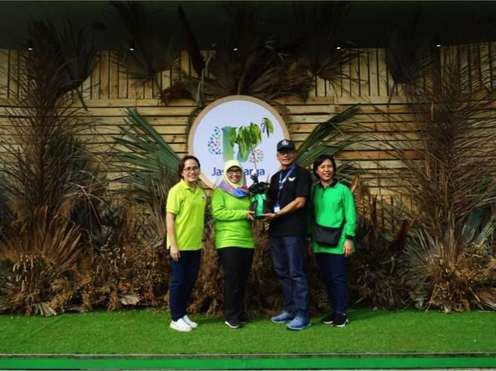 Green Toll Road, Jasa Marga-IPB Tanam 42 Pohon Langka di Purbaleunyi