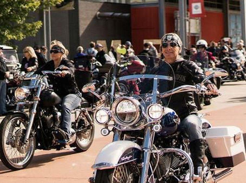 Ribuan Cewek Naik Harley-Davidson Bakal Pecahkan Rekor Dunia