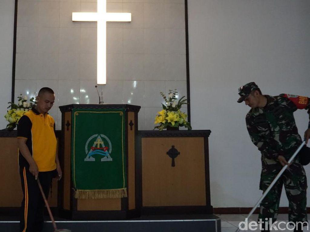 Tangkal Corona, Polisi Banjar dan Tasik Turun Gelar Aksi Bersih-Bersih