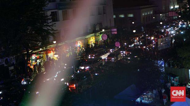 Wisata Hiburan Rakyat di Kota Paris van Java