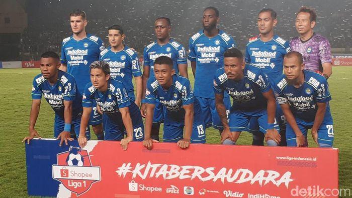 Persib Bandung di laga kontra PSS Sleman